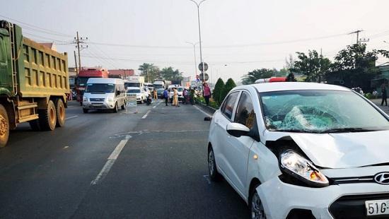 Băng qua đường, hai nữ tu sĩ bị ô tô tông tử vong Ảnh 1