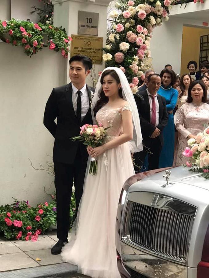 Choáng ngợp trước đám cưới cổ tích của Rich Kid Trinh Hoàng Ảnh 1