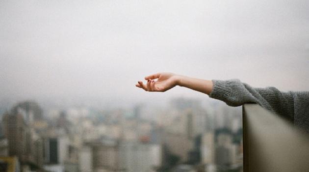 5 cách buông tay và ngừng yêu một người đã không thuộc về mình Ảnh 2