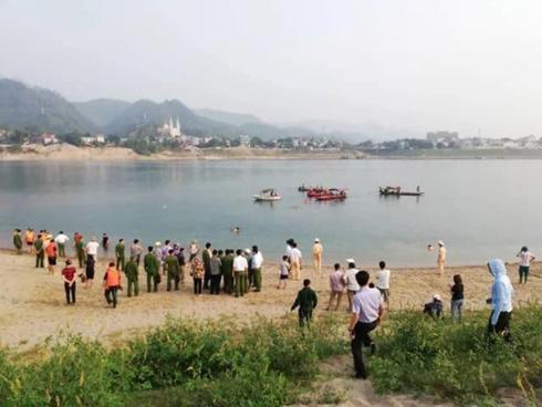 Sự kiện 24/7: 8 học sinh đuối nước thương tâm tại Hòa Bình Ảnh 1
