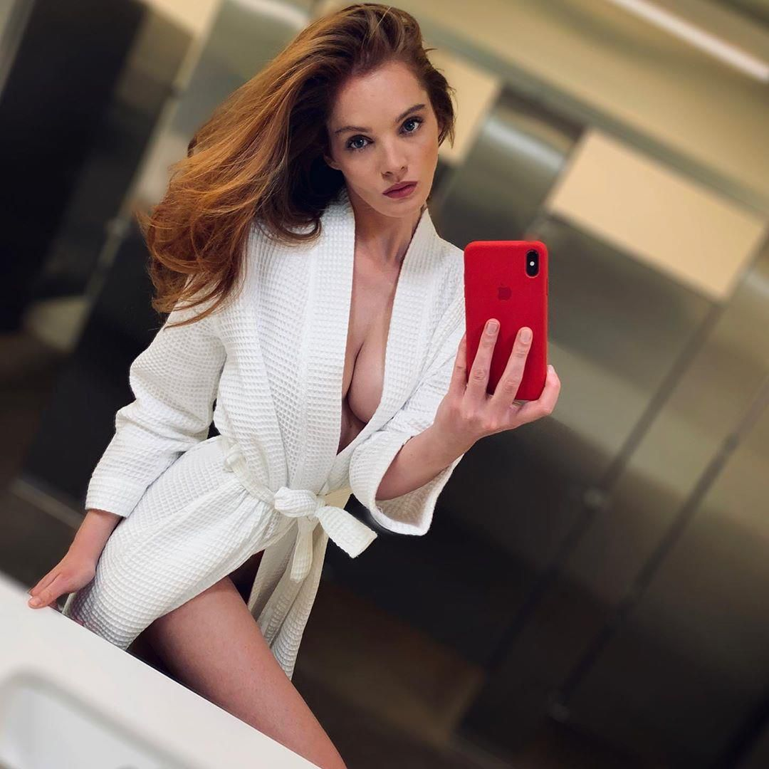 Thiên thần Victoria's Secret mới 'nghiện' đăng ảnh khoe vòng một Ảnh 4