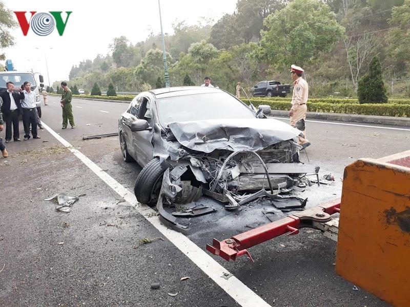 Lâm Đồng: hai ô tô đối đầu trên cao tốc khiến 4 người thương vong Ảnh 2