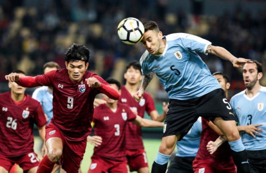 Thái Lan về nhì ở cúp tứ hùng sau trận thua 0-4 trước Uruguay Ảnh 2