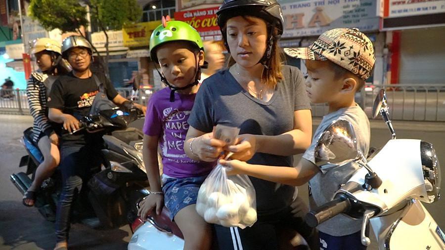 Người Sài Gòn chung tay mua trứng giúp cụ ông 90 tuổi vẫn mưu sinh Ảnh 6