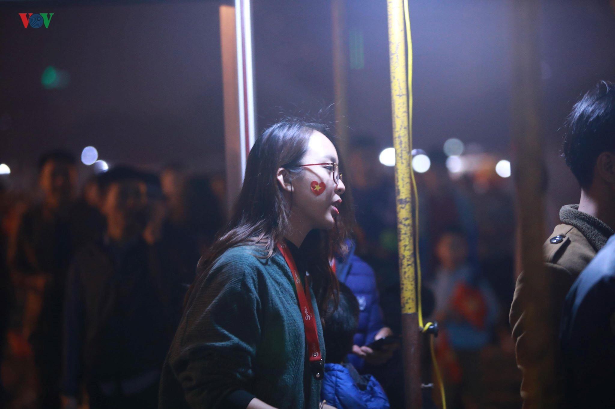 Đấu với U23 Thái Lan, CĐV U23 Việt Nam 'mở hội' trên sân Mỹ Đình Ảnh 12