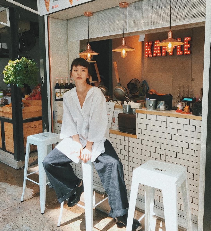 Hot girl Thái Lan chỉ mặc đồ cơ bản, giá rẻ bèo vẫn nổi khắp châu Á Ảnh 2