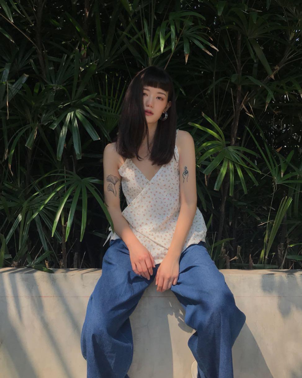 Hot girl Thái Lan chỉ mặc đồ cơ bản, giá rẻ bèo vẫn nổi khắp châu Á Ảnh 4