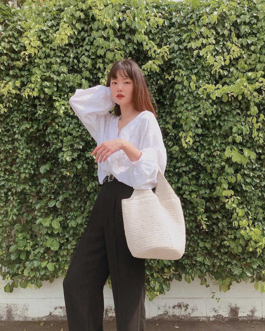Hot girl Thái Lan chỉ mặc đồ cơ bản, giá rẻ bèo vẫn nổi khắp châu Á Ảnh 9