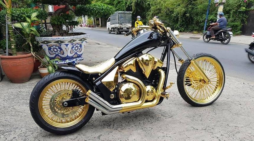 Nhìn lại dàn xe mạ vàng, mô tô khủng gây sốt của Phúc XO Ảnh 5