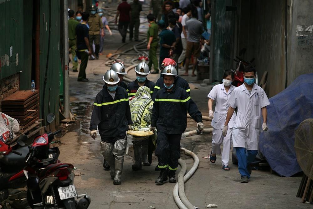 Khởi tố vụ án sau hỏa hoạn tại nhà xưởng lúc rạng sáng khiến 8 người tử vong Ảnh 1