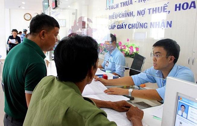Quận Tân Bình: Buổi tối dân vẫn có thể lên phường nộp hồ sơ Ảnh 1