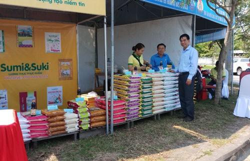 Đà Nẵng: Bán hàng giá ưu đãi cho công nhân Ảnh 1