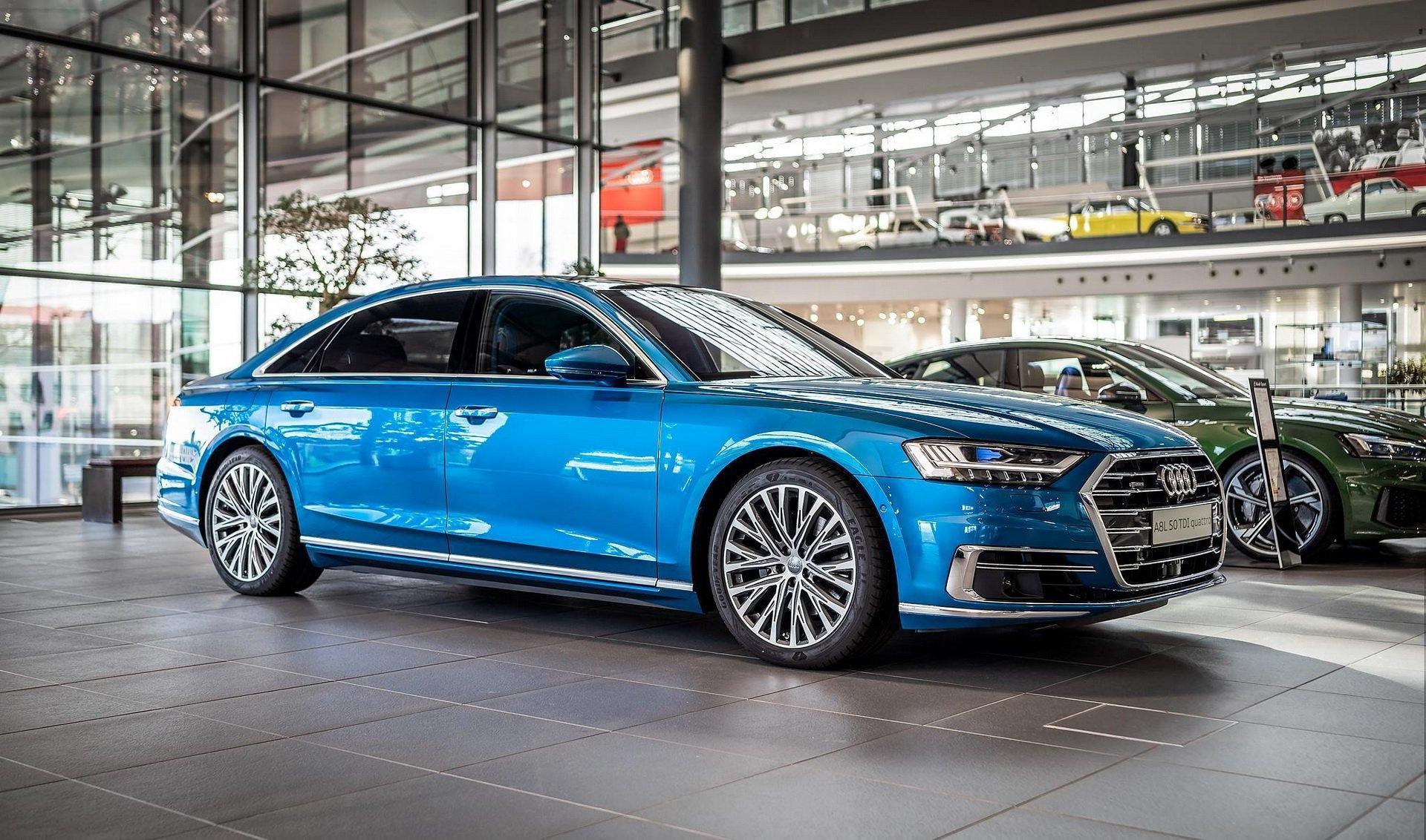 Audi A8 với màu sơn độc quyền trị giá gần 80 triệu đồng Ảnh 1