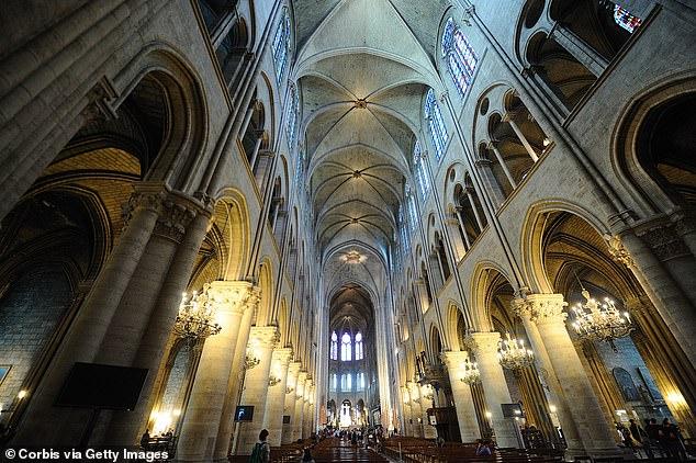 1.300 thân gỗ sồi tiếp lửa khiến Nhà thờ Đức bà Paris cháy khủng khiếp? Ảnh 2