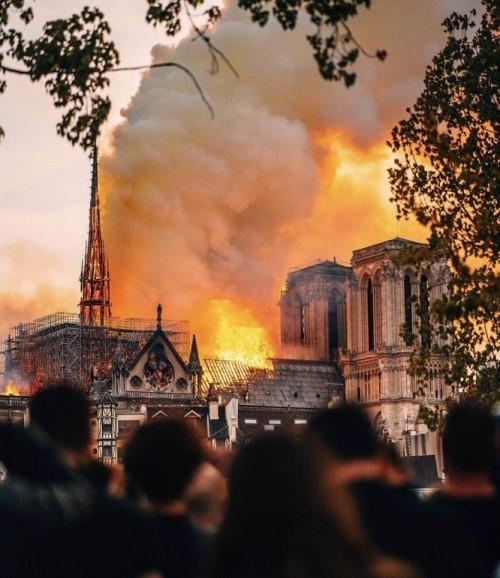 Vụ cháy ở Nhà thờ Đức Bà Paris: Sửng sốt 'lời tiên tri' từ 15 năm trước Ảnh 4