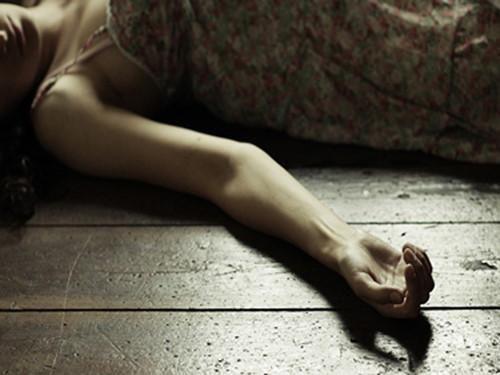 Cô chủ tiệm tóc bị đâm trong nhà vệ sinh và bị cướp tài sản ảnh 1