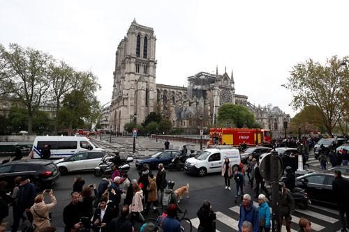 Cháy nhà thờ Đức Bà Paris: Nỗi đau khôn nguôi Ảnh 1