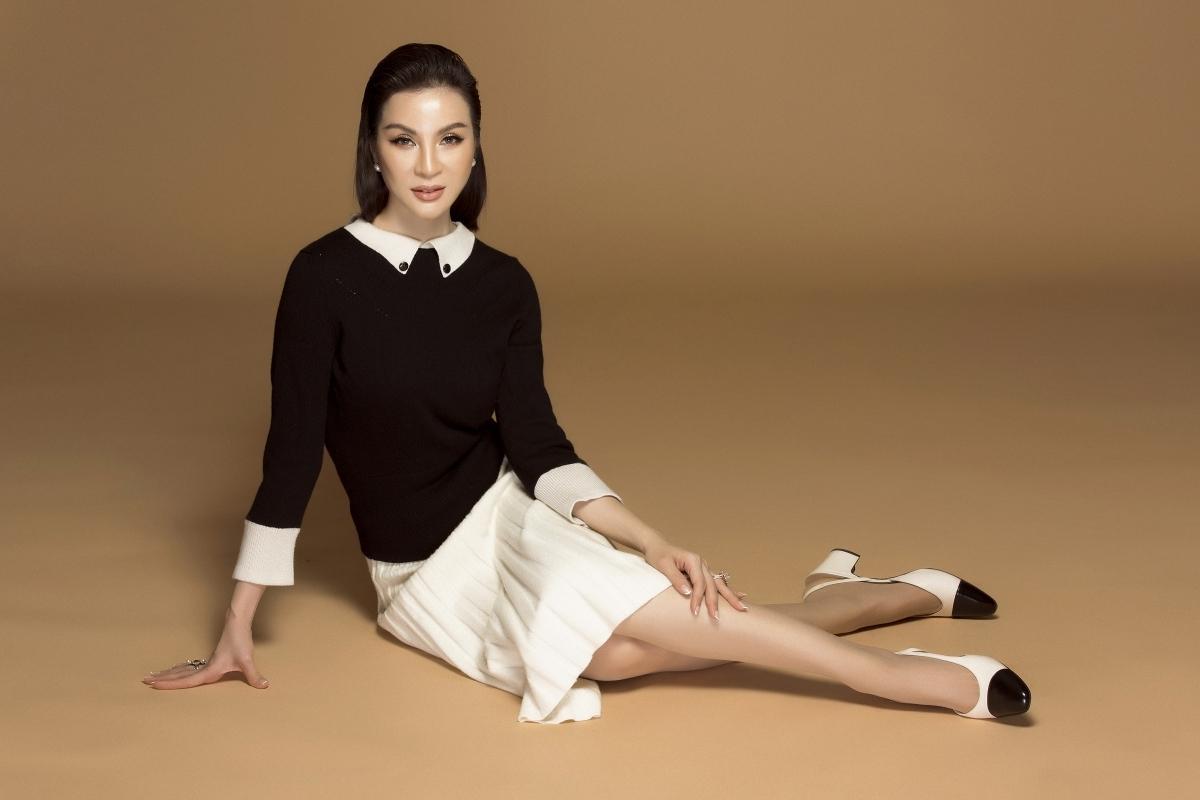 MC Thanh Mai biến hóa đa phong cách phù hợp tuổi trung niên Ảnh 8