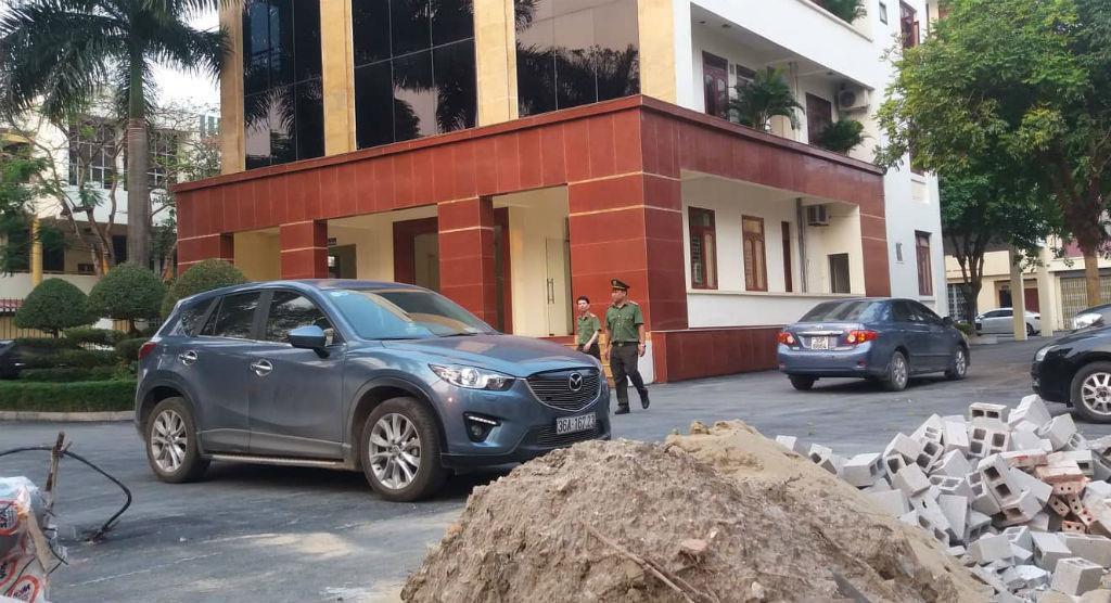 Vụ cán bộ thanh tra nhận tiền: Công an kiểm tra tại trụ sở Thanh tra tỉnh Thanh Hóa Ảnh 3