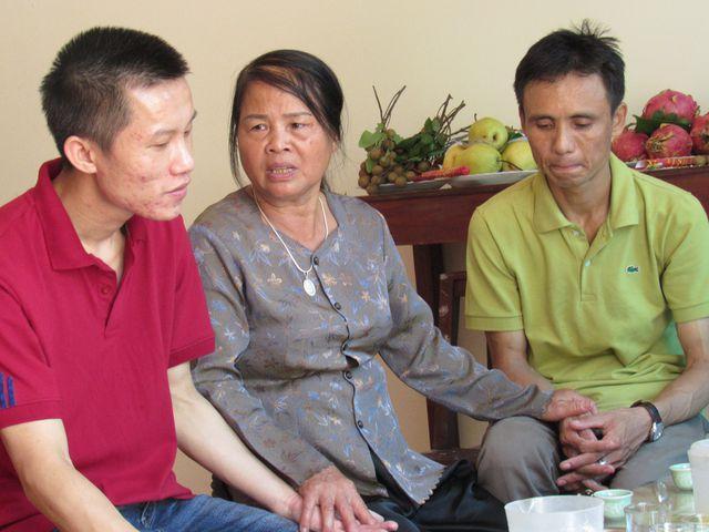Nghẹn ngào cuộc gặp gỡ của người mẹ có con hiến giác mạc và người đàn ông được nhận Ảnh 1