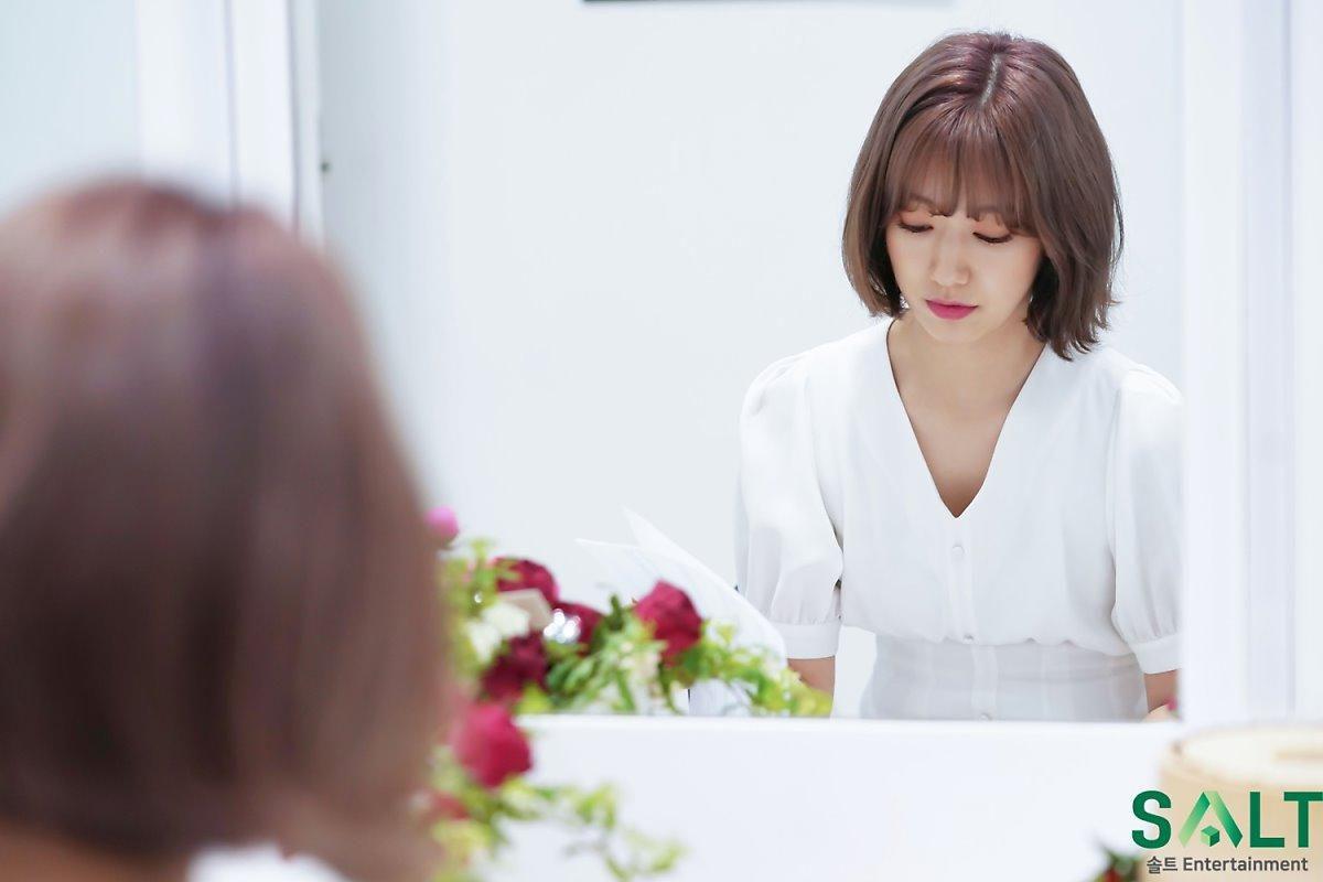 'Nữ thần tháng Tư' Park Shin Hye đẹp xuất sắc trong bộ váy trắng tinh khôi Ảnh 6