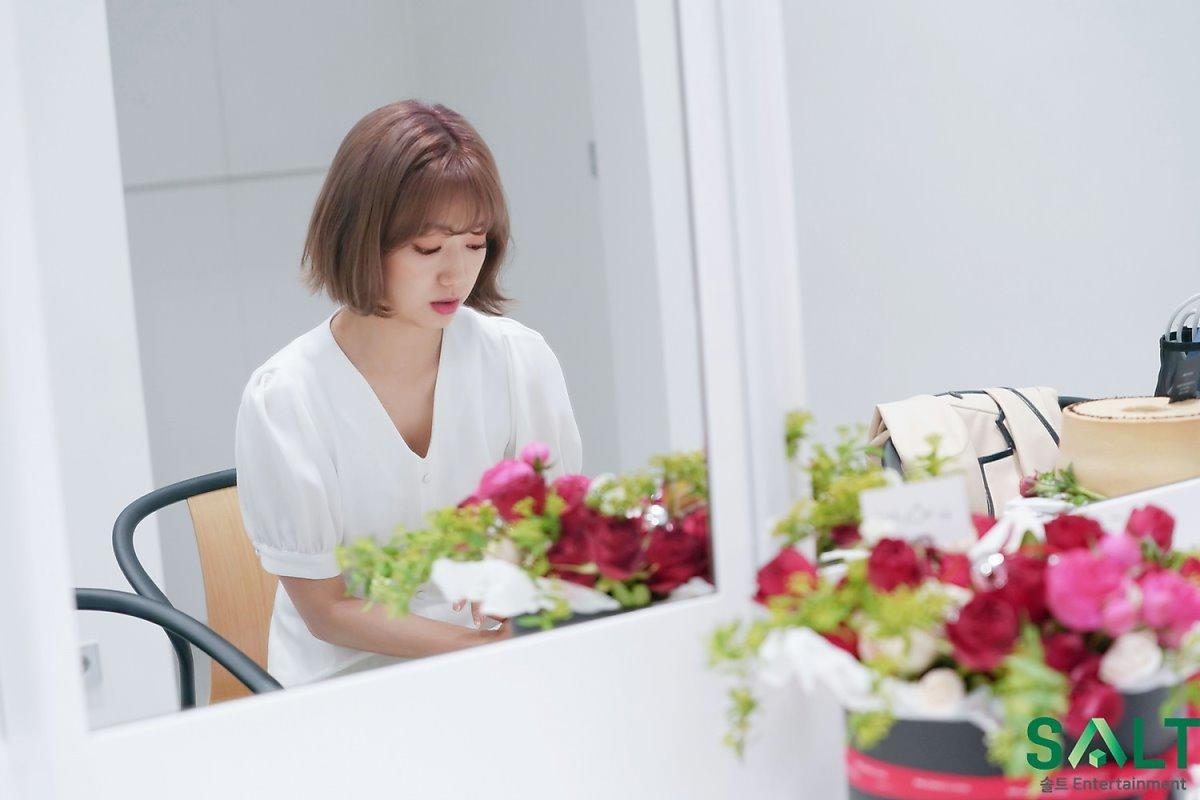 'Nữ thần tháng Tư' Park Shin Hye đẹp xuất sắc trong bộ váy trắng tinh khôi Ảnh 5