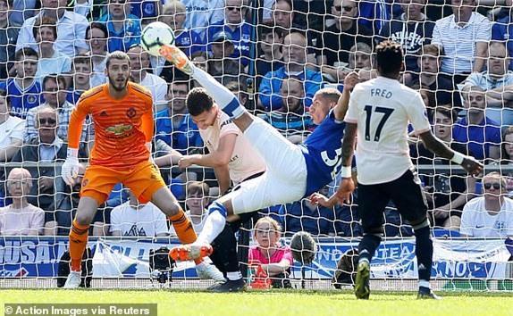 Everton 4-0 M.U: Đến lượt Solsa bị phản? Ảnh 2