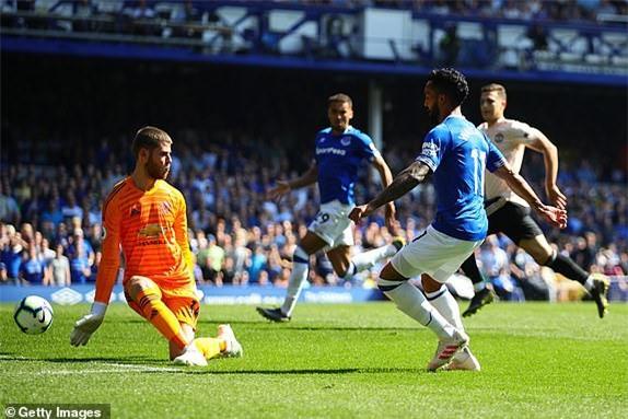Everton 4-0 M.U: Đến lượt Solsa bị phản? Ảnh 3