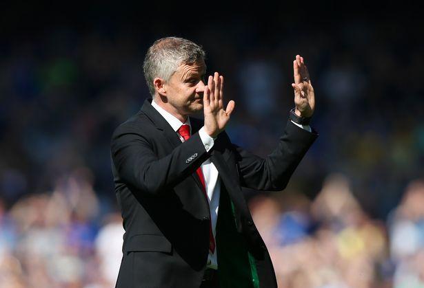 Thảm bại trước Everton, Solskjaer xoa dịu được CĐV M.U nhờ hành động này Ảnh 2