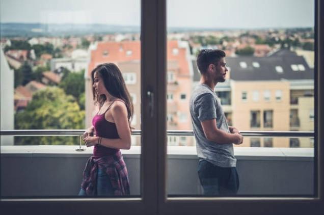 Con gái nên làm gì khi bạn trai bỗng dưng 'làm lơ' Ảnh 1