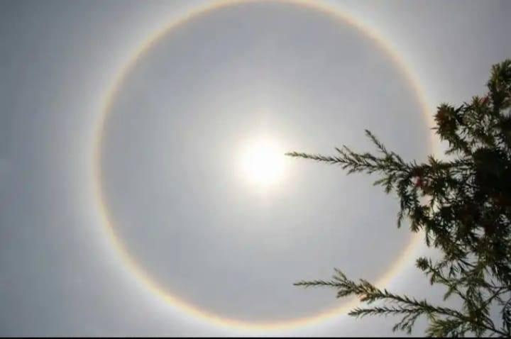 Dân Quảng Nam háo hức xem 'quầng mặt trời' Ảnh 2