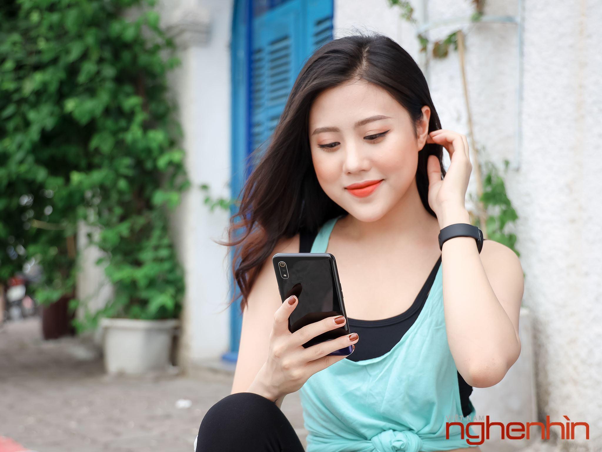 Chiêm ngưỡng bóng hồng gợi cảm, năng động và cá tính cùng Realme 3 Ảnh 6