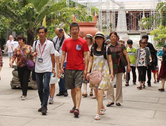 Khách Trung Quốc đến Việt Nam tiếp tục giảm Ảnh 1