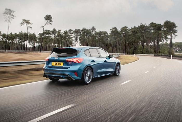 Ford Focus ST 2019 mở bán tại Anh, giá từ 888 triệu đồng Ảnh 3