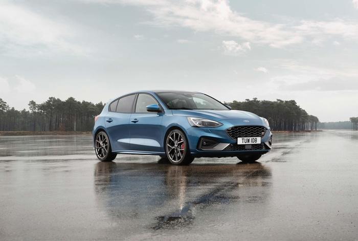 Ford Focus ST 2019 mở bán tại Anh, giá từ 888 triệu đồng Ảnh 1