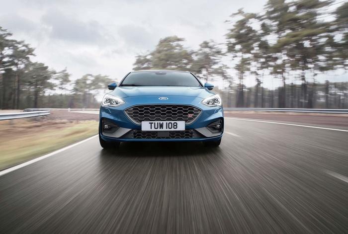 Ford Focus ST 2019 mở bán tại Anh, giá từ 888 triệu đồng Ảnh 5