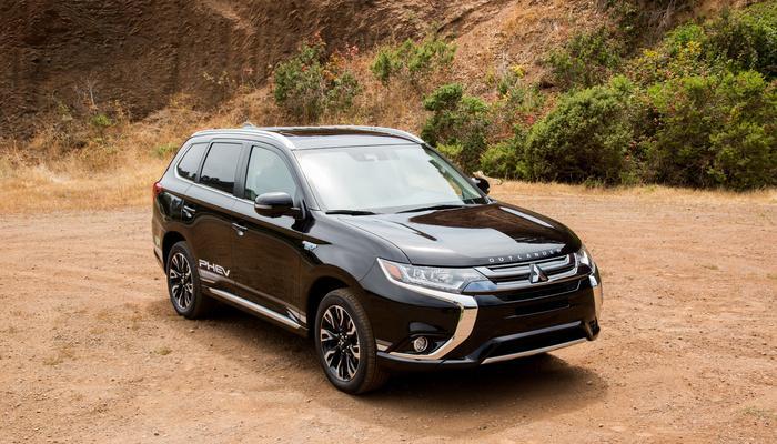 Bảng giá xe Mitsubishi tháng 5/2019: Mitsubishi Outlander giảm 52 triệu đồng Ảnh 1