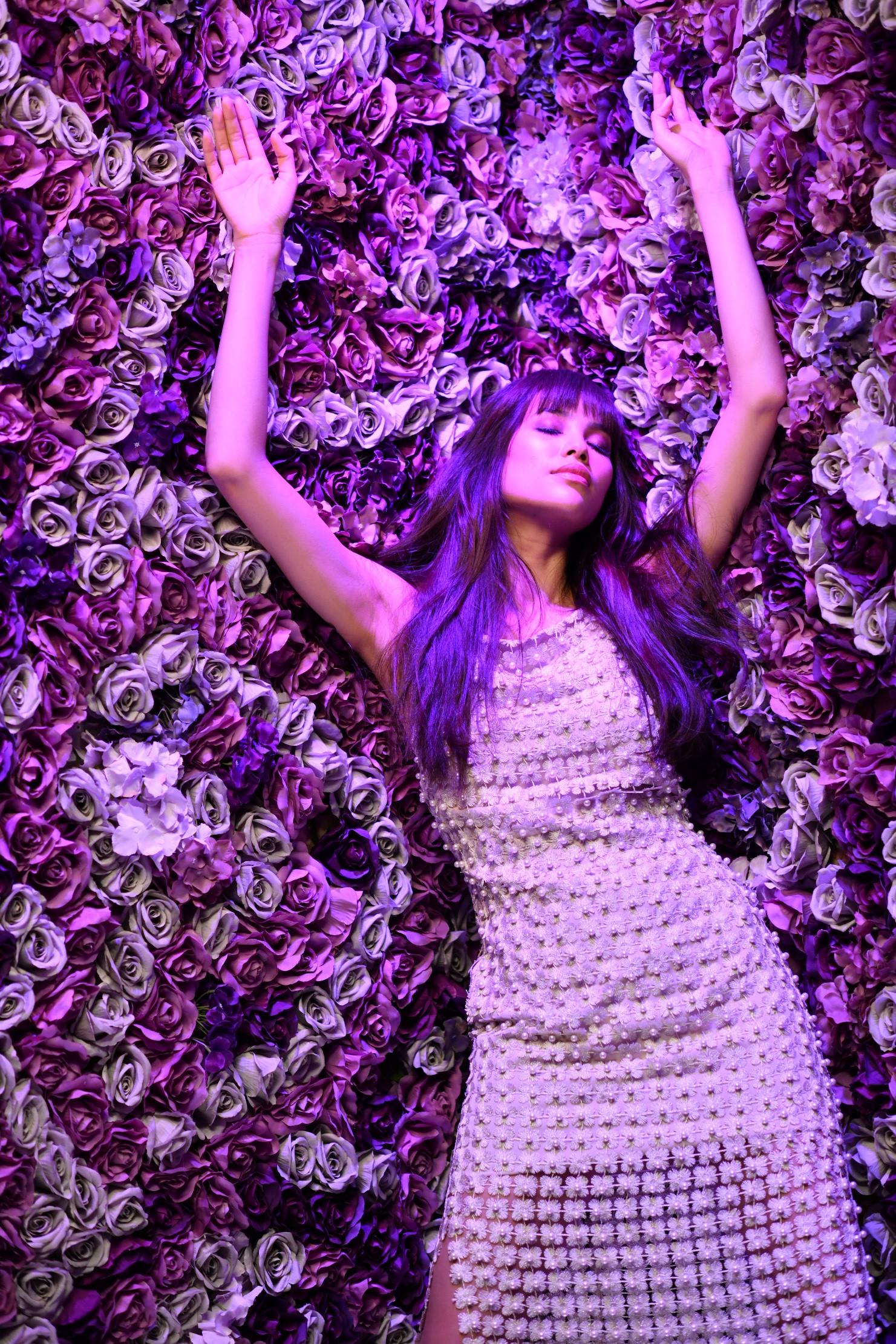 Hoa hậu Phạm Hương lên tiếng khi bị nhận xét ăn mặc quá sexy Ảnh 8