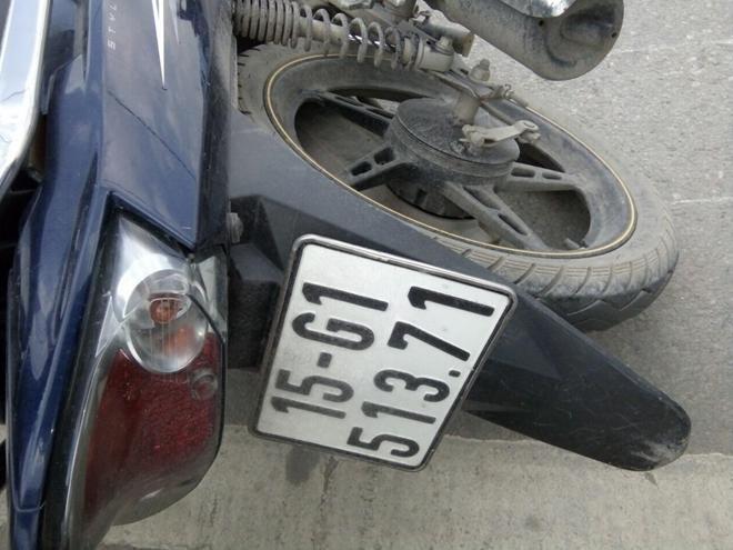 Tai nạn liên hoàn trên cầu Bính, 3 ô tô hư hỏng nặng Ảnh 2