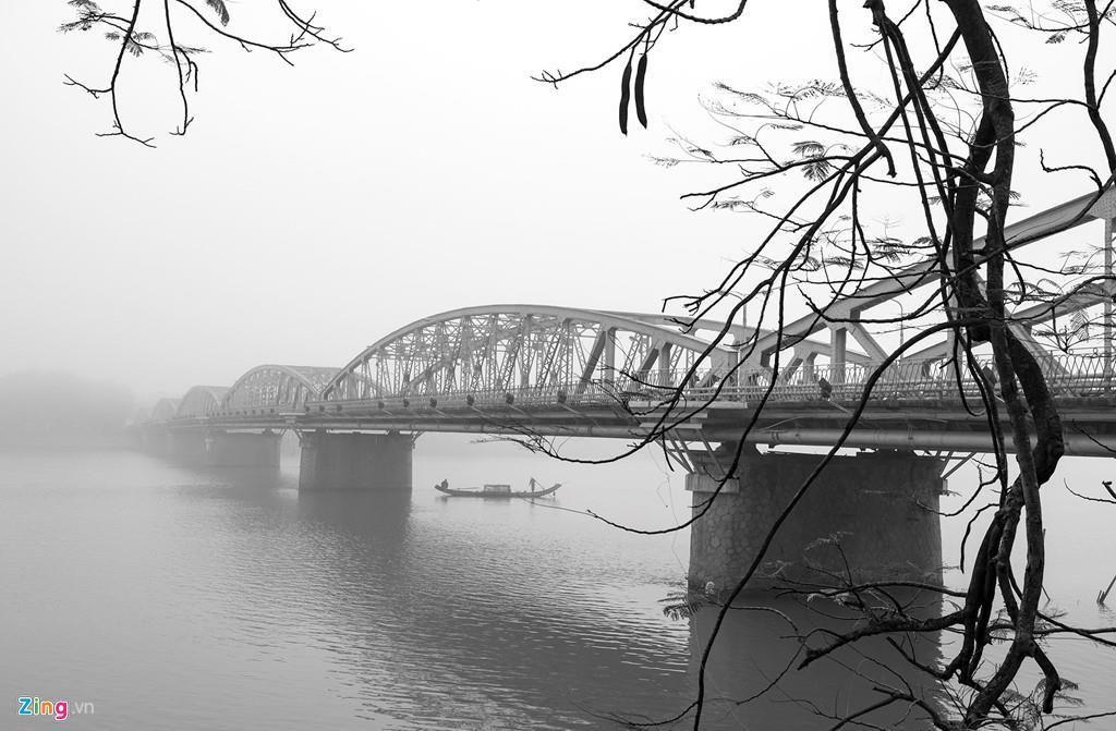 Có bao nhiêu cây cầu bắc qua sông Hương? Ảnh 1