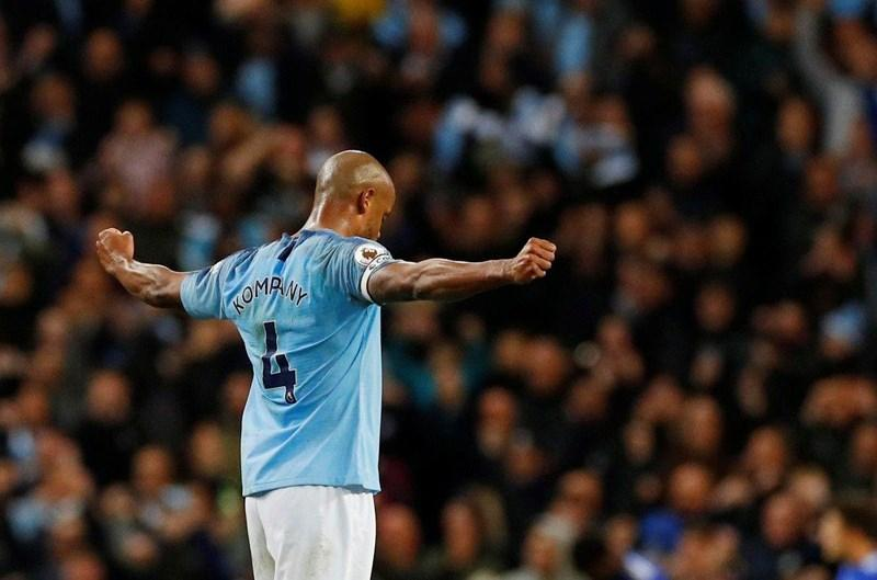 Cầu thủ từng đến VN chia tay Man City, Ronaldo gửi tâm thư Ảnh 2