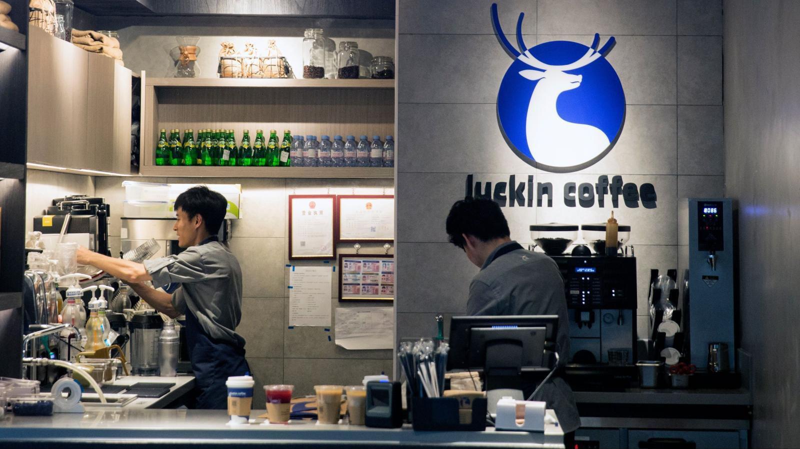 Cổ phiếu 'Starbucks Trung Quốc' tăng bùng nổ sau IPO Ảnh 1