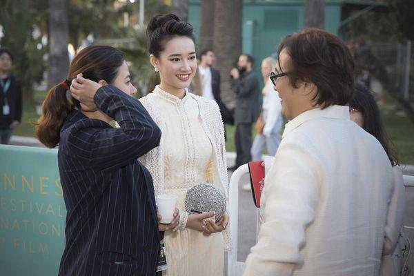 Khắc hẳn Ngọc Trinh, Nhã Phương, Tuyết Nga, Lý Nhã Kỳ khiến fan tự hào vì mang văn hóa Việt tới Cannes Ảnh 7
