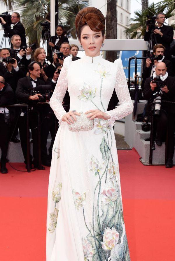 Khắc hẳn Ngọc Trinh, Nhã Phương, Tuyết Nga, Lý Nhã Kỳ khiến fan tự hào vì mang văn hóa Việt tới Cannes Ảnh 1
