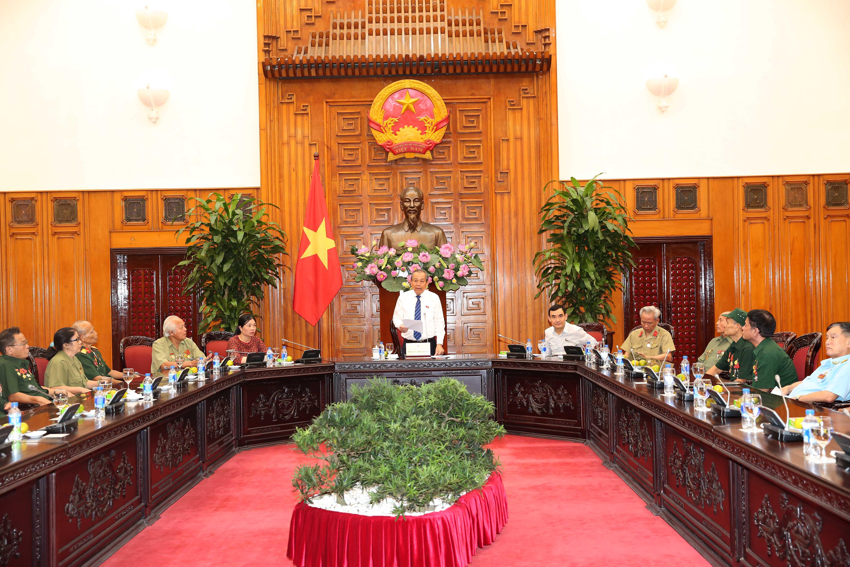 Phó Thủ tướng Trương Hòa Bình tiếp Đoàn người có công tỉnh Nghệ An Ảnh 1