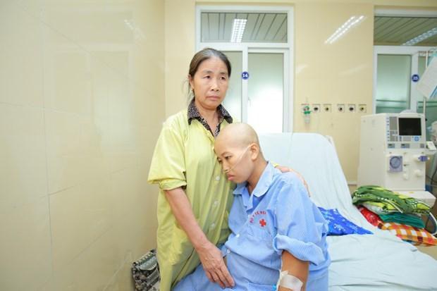 Hy hữu: Mổ đẻ ở tư thế ngồi cho sản phụ ung thư vú giai đoạn cuối Ảnh 2