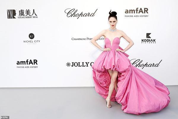 Dàn siêu mẫu 'thác loạn' nhiệt tình trong tiệc thời trang hậu Cannes Ảnh 5