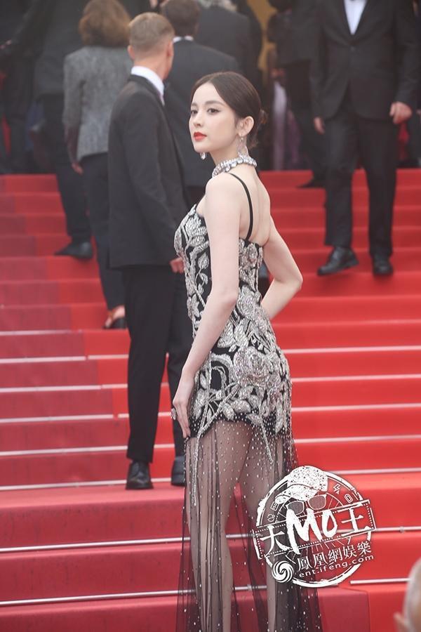 Loạt mỹ nhân 'vớt vát' hình ảnh cho Trung Quốc tại thảm đỏ Cannes 2019 Ảnh 12