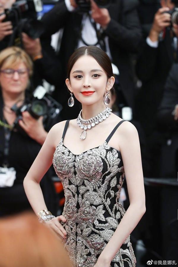 Loạt mỹ nhân 'vớt vát' hình ảnh cho Trung Quốc tại thảm đỏ Cannes 2019 Ảnh 11