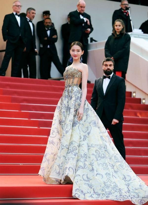 Loạt mỹ nhân 'vớt vát' hình ảnh cho Trung Quốc tại thảm đỏ Cannes 2019 Ảnh 3